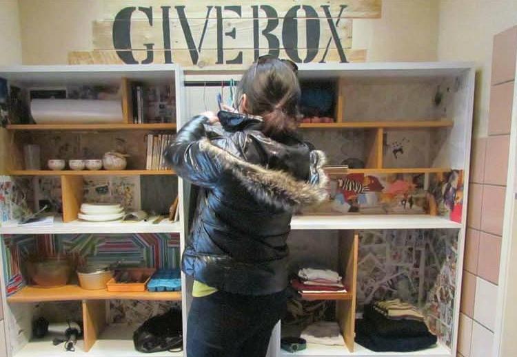 Givebox récemment inaugurée sur le Campus Tréfilerie (crédit image : https://www.univ-st-etienne.fr)